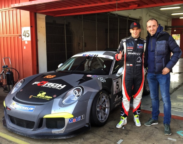 Igor Walilko on the same circuit with Robert Kubica during the 24H Dubai Endurance Race!
